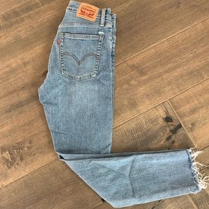 Levi's Wedgie Skinny Ankle Jeans